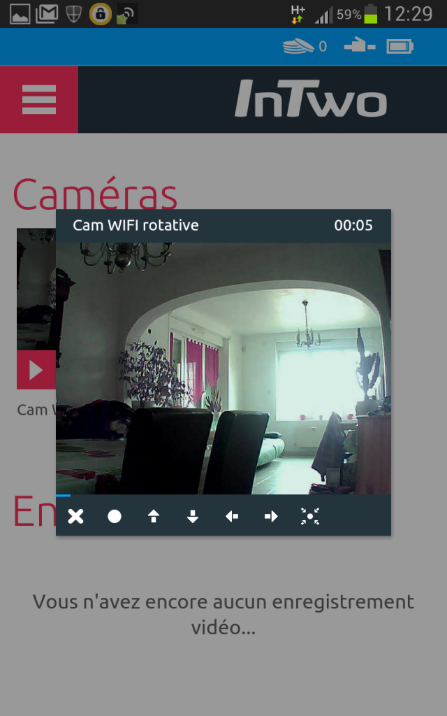 InTwo_Caméra_Wifi_Smarphone-640x1024 La Caméra Wifi rotative InTow de Sagecom