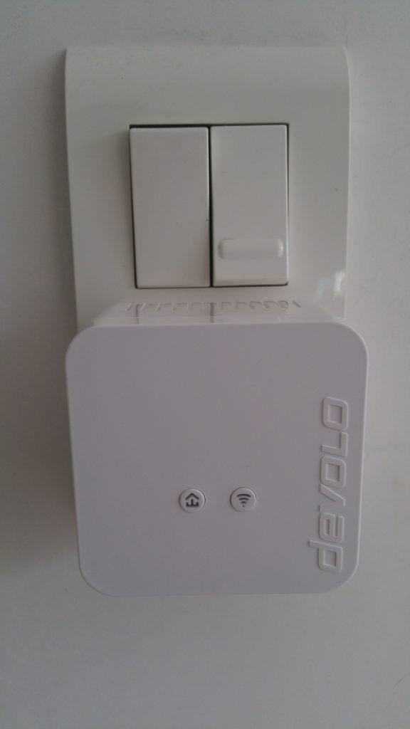 DEVOLO_dLAN_550_wifi_lieu_definitif-576x1024 dLAN 550 Wifi Starter Kit CPL