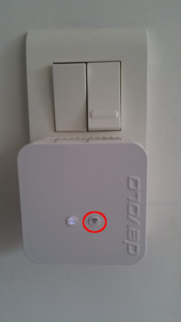 DEVOLO_dLAN_550_wifi_Inactif-576x1024 dLAN 550 Wifi Starter Kit CPL