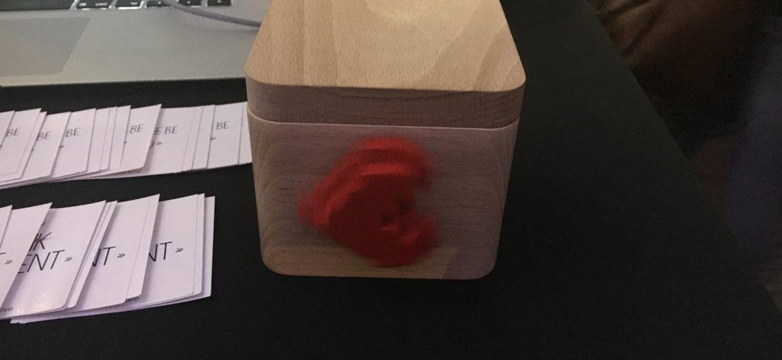"""LOVEBOX, la boite à amour connectée ! idéal pour la Saint-Valentin.<span class=""""wtr-time-wrap block after-title""""><span class=""""wtr-time-number"""">3</span> min de lecture pour cet article.</span>"""
