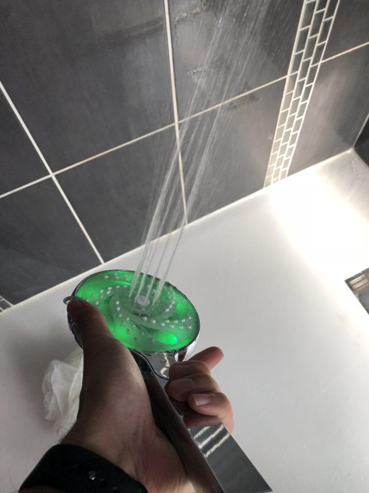 hydrao-aloe-0144-750x1000 [Test] HYDRAO Aloé, un nouveau pommeau de douche connecté