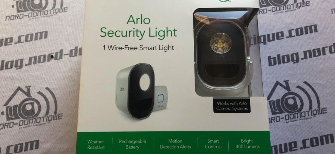 """[Test] Arlo Security Light, le système qui illumine l'extérieur et donne l'alerte<span class=""""wtr-time-wrap block after-title""""><span class=""""wtr-time-number"""">7</span> min de lecture pour cet article.</span>"""