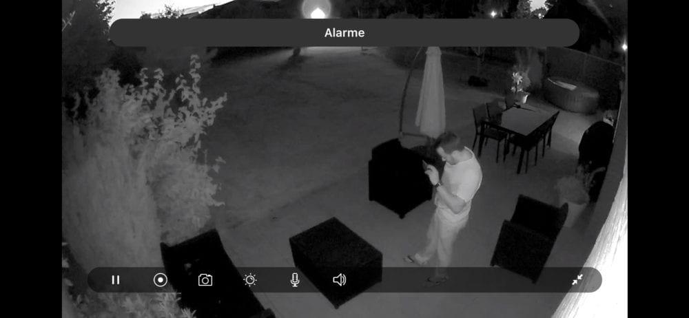 arlo-security-light-0791-1000x462 [Test] Arlo Security Light, le système qui illumine l'extérieur et donne l'alerte
